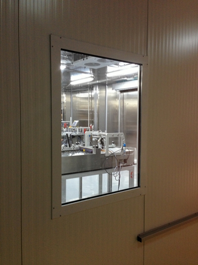 special window system for controlled environment